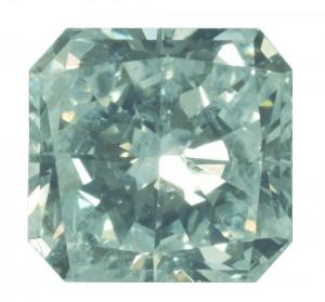 Fancy-Diamant! Diamant in der Farbe Fancy light Green (Naturfarbiger Diamant in hellem Grün) mit GIA-Zertifikat. Naturfarbige Diamanten in reinem Grün sind extrem selten und wertvoll!