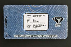 Die Rückseite der Original IGI Versiegelung mit allen wichtigen Daten des Diamanten-Zertifikates