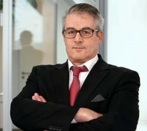 Herr Grünewald steht ihnen als geprüfter und zertifizierter Diamantengutachter gerne für eine persönliche Beratung rund um ihren geplanten Diamantenerwerb zur Verfügung.