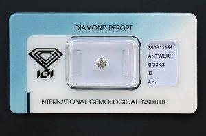 Ein in allen Bereichen perfekter Drittelkaräter Diamant, sicher versiegelt.