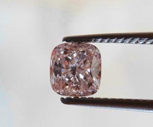 Ein echter pinker Diamant! Für den Ring ihrer Liebsten, für sich selbst oder zur Wertanlage?